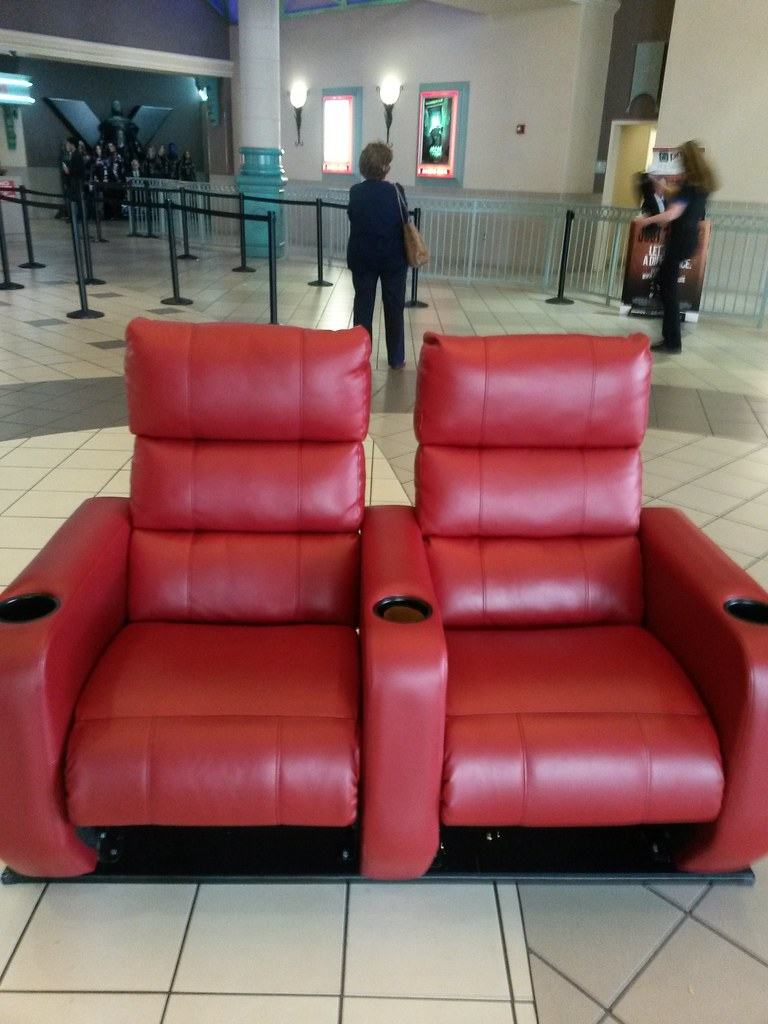 Cobb Theatres Downtown At The Gardens 16 New Luxury Seats Flickr