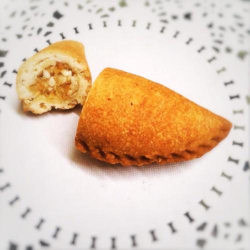 Jau Gok, Peanut Puff, Dumpling, Tim Gok, Yau Kwok, Gok Jai,  炸油角, 油角, 炸角仔, 角仔, recipe, chinese new year, snack, food, how to wrap, yau gok