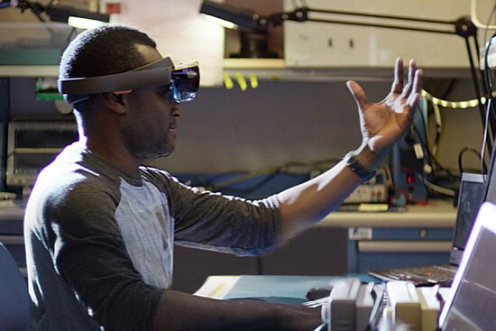 Microsoft CEO:VR Device consumption HoloLens have to wait 5 years
