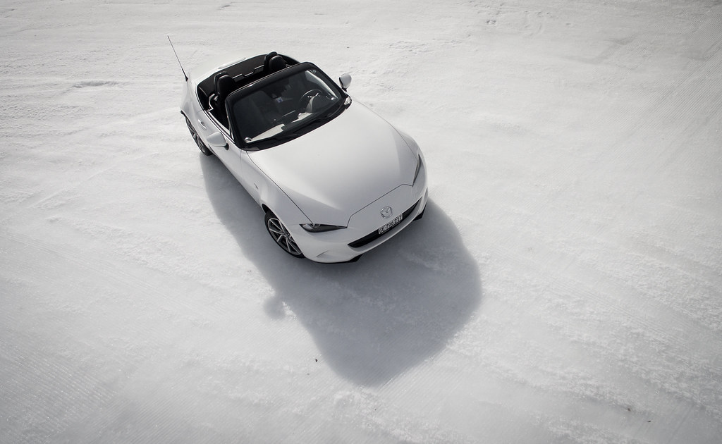 Mazda Millenia White Snow Milly Logbook: Mazda Snow Xperience