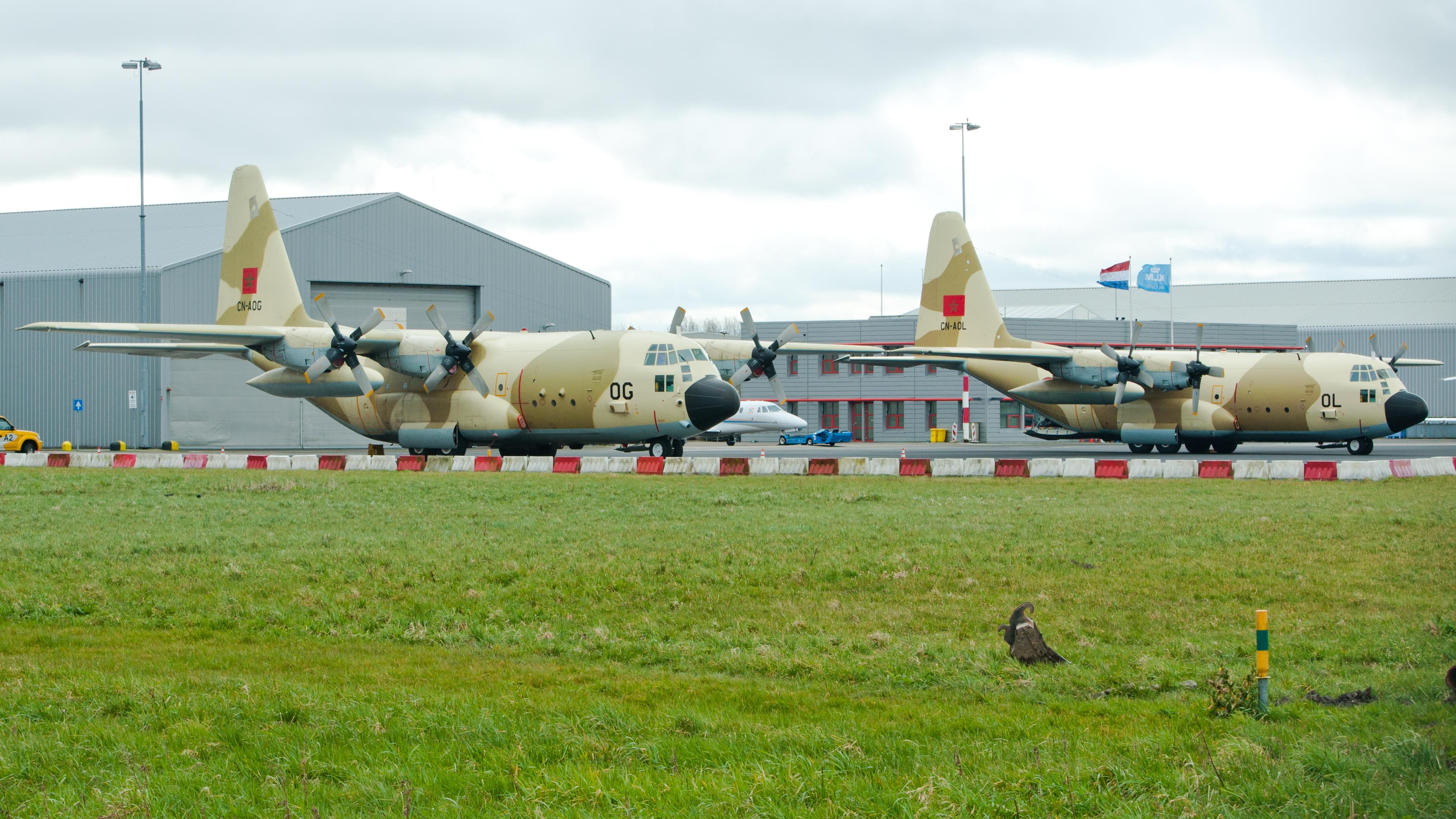 FRA: Photos d'avions de transport - Page 27 26063028116_51b5da2c22_o