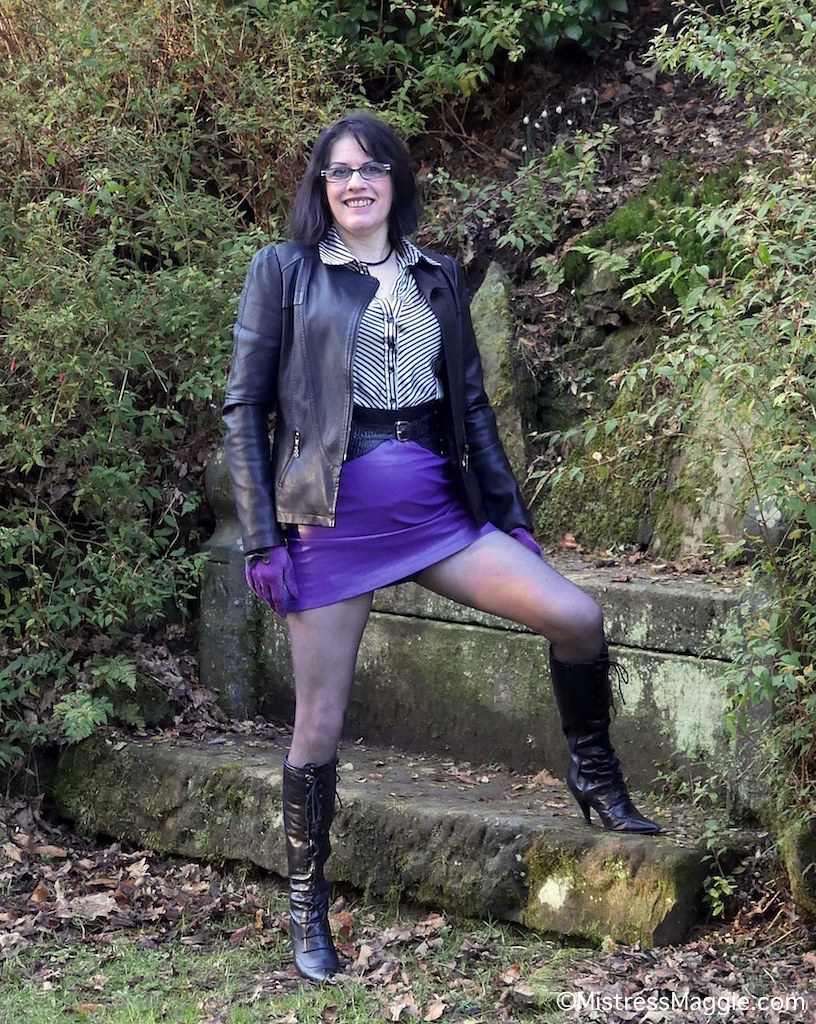 Lancaster Views - 4  Mistress Takes Her Leather And Boots -5067
