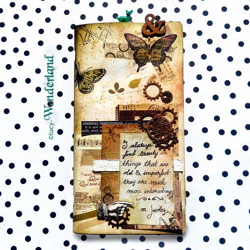 Copertina scrappata in stile vintage del quaderno per il traveler's notebook della Webster's pages