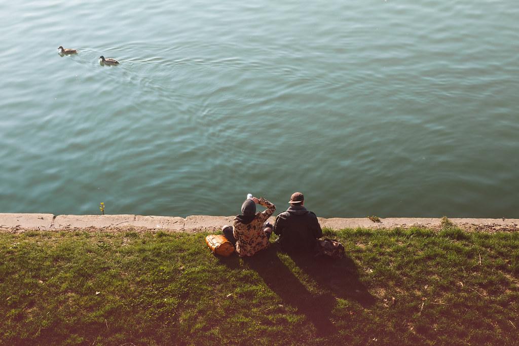 Couple au bord de la Garonne