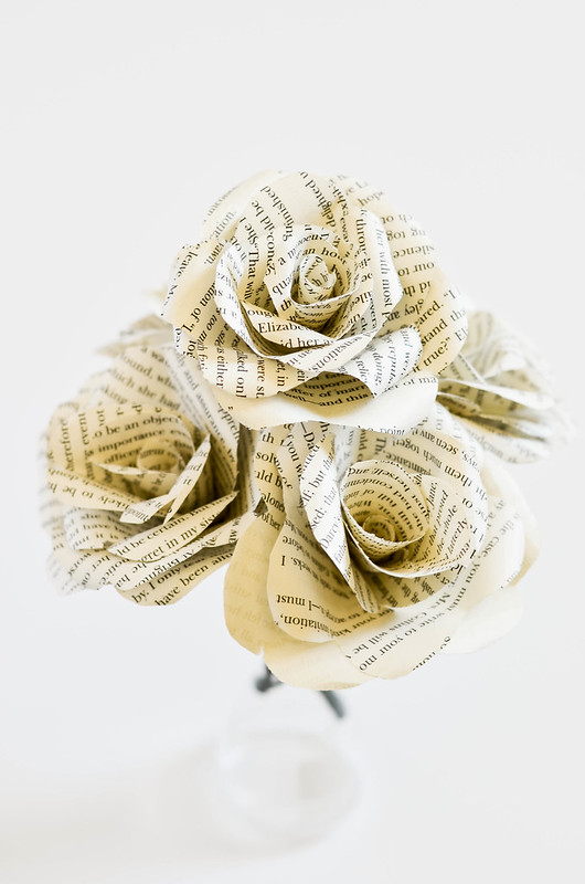 DIY Book Flowers | cookingalamel.com