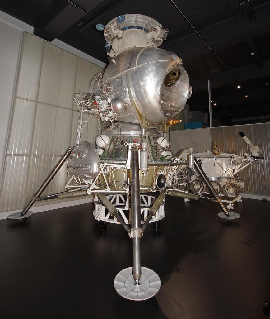 24 Lander Vanity: Soviet LK-3 Lunar Lander, Lunniy Korabl