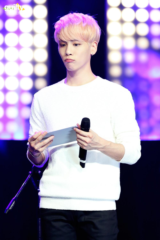 160426 Jonghyun @ MBC Live Concert - Blue Night 26593747141_287fc6a803_o