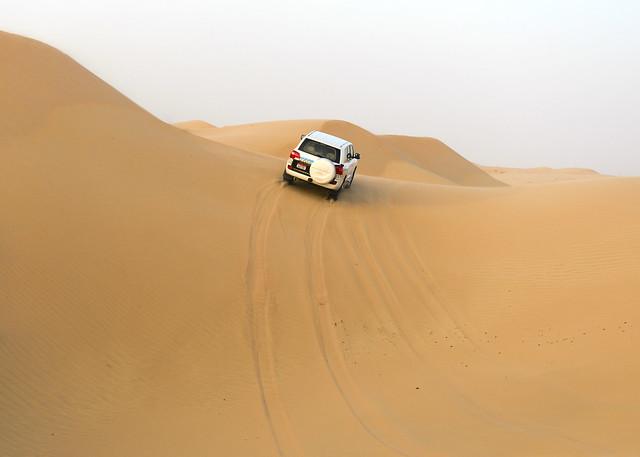 En todoterreno por las dunas de Emiratos Árabes