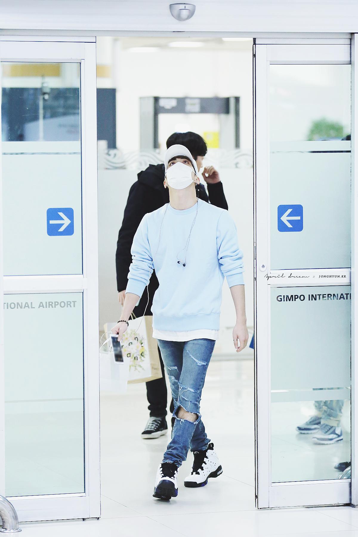 160327 Jonghyun @ Aeropuertos Haneda - Gimpo {Regreso a Corea} 26061034975_0d4eb9e08c_o