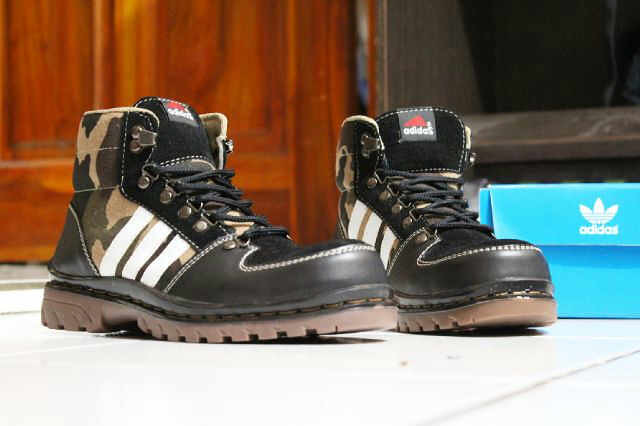 Sepatu Adidas Boot (5) | oleh notaspecial