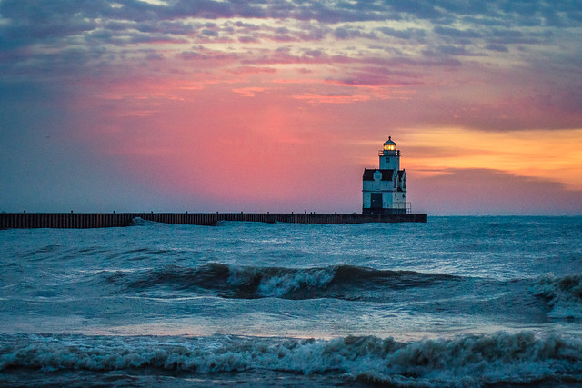 Lighthouse, Sunrise, Lake Michigan, Waves, Morning, Kewaunee
