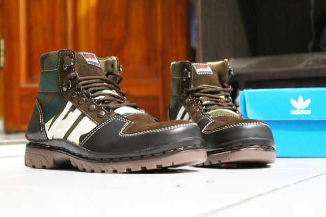 Sepatu Adidas Boot (4) | oleh notaspecial