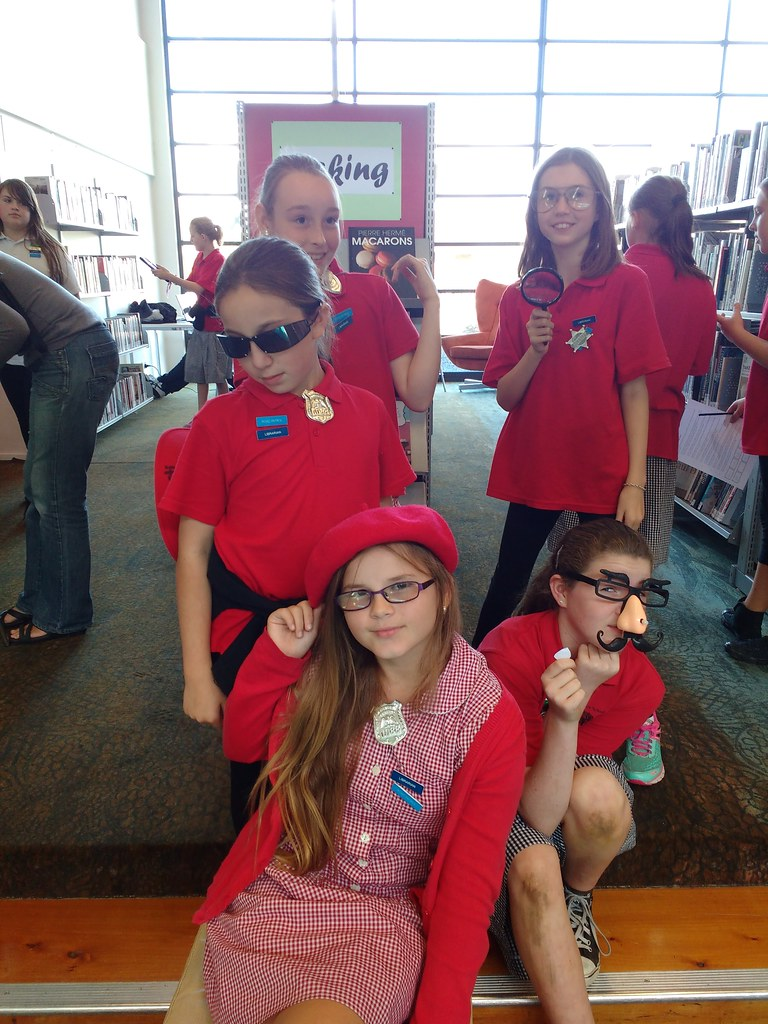 Bespectacled detecting | Photos from School Librarian Day ...