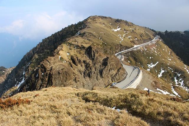 高海拔便利的道路帶來人潮。攝影:廖靜蕙