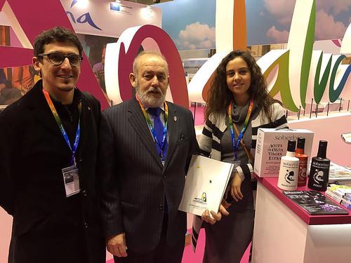 AionSur: Noticias de Sevilla, sus Comarcas y Andalucía 25694084871_e7074d49c7_d El flameco y el aceite de promocionan en Berlín La Puebla de Cazalla Provincia