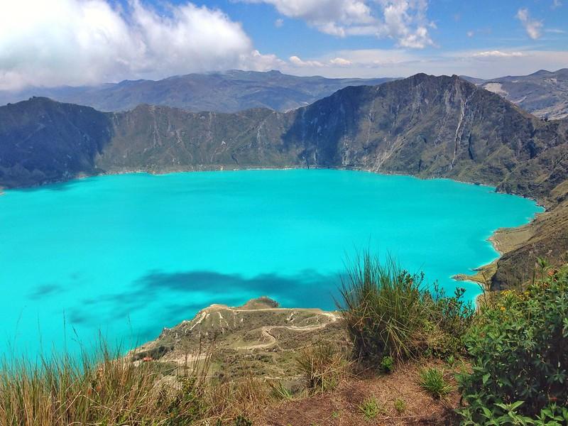 A estonteante laguna dentro do Vulcão Quilotoa.