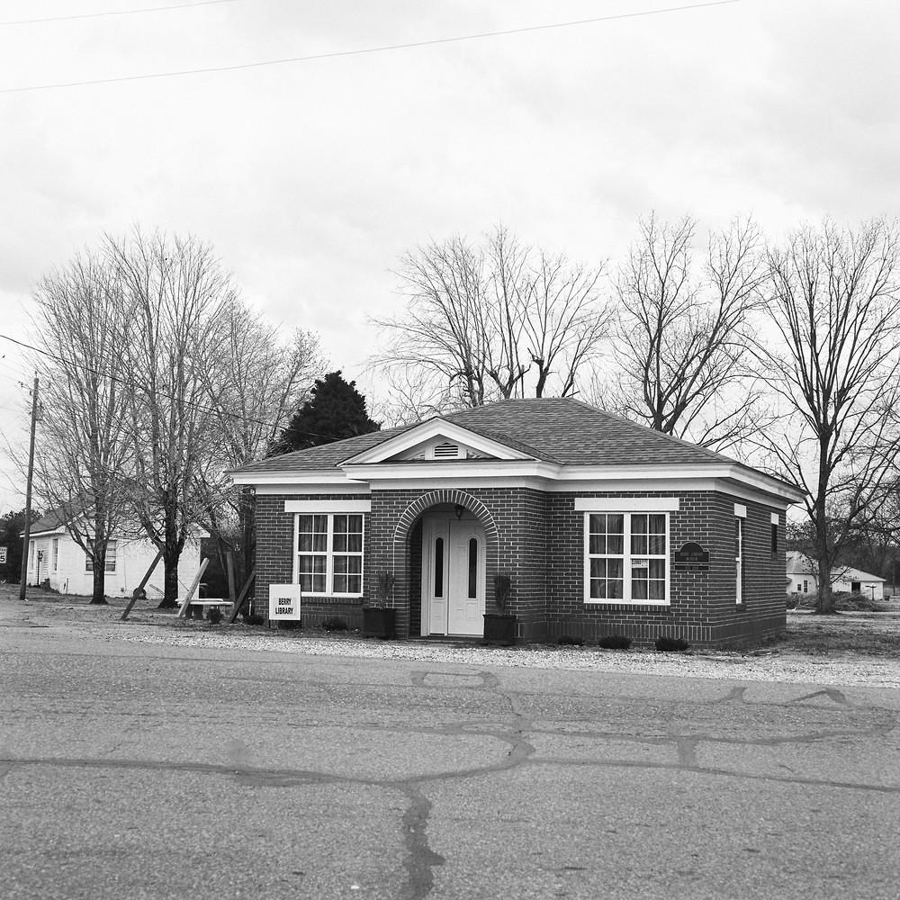 Berry, AL Public Library - Mamiya C330f | Kodak Tri-X 400