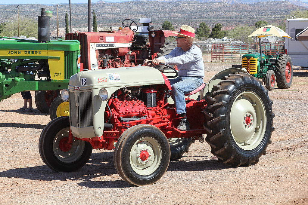 V8 Antique Tractors : Funk ford n powered by a quot mercury flathead v