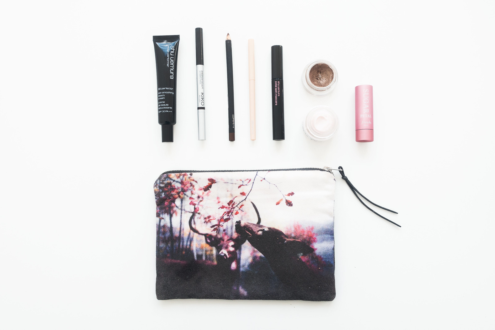 A Minimalist Make-up Bag