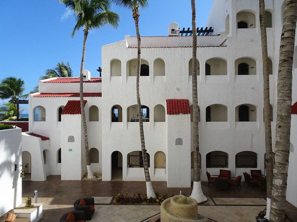 窥视下隔壁酒店-坎昆皇家加勒比