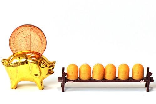 Kleine Welt Welten Modellbau H0 Imker Imkerei Biene Honig Bienenkorb Bienenkörbe Stülper Schwarzwald Schwarzwälder Honig Spezialität Deutscher Imkerhonig Makrofotografie Brigitte Stolle Mannheim Februar 2016