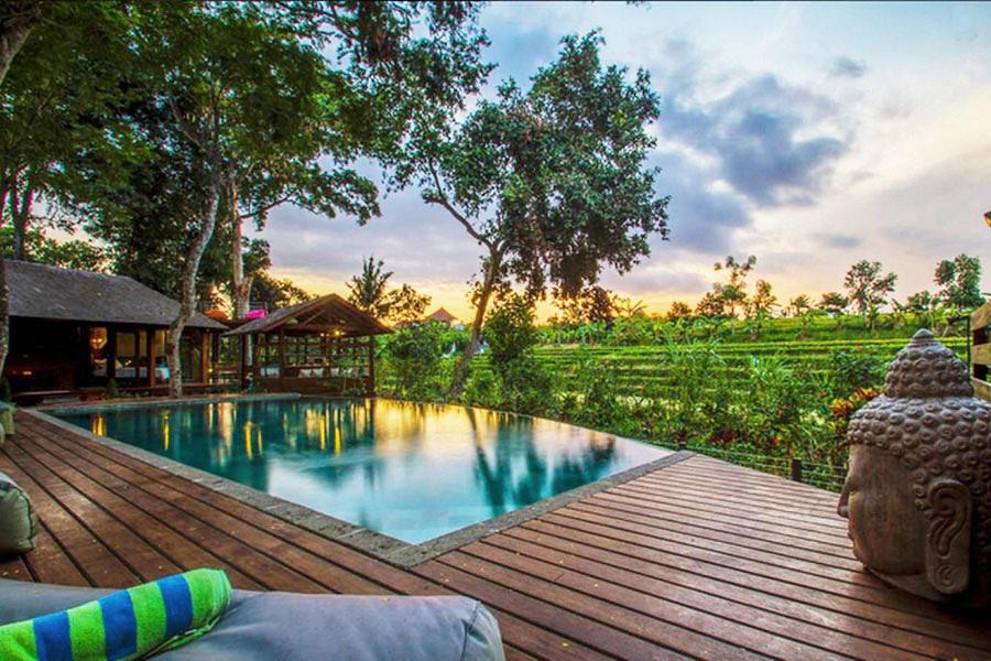 Banyak Hotel Baru Bermunculan Disana Belum Lagi Beach Club Dimana Kamu Bisa Bersantai Menyesap Sangria Sambil Menanti Sunset Tiba