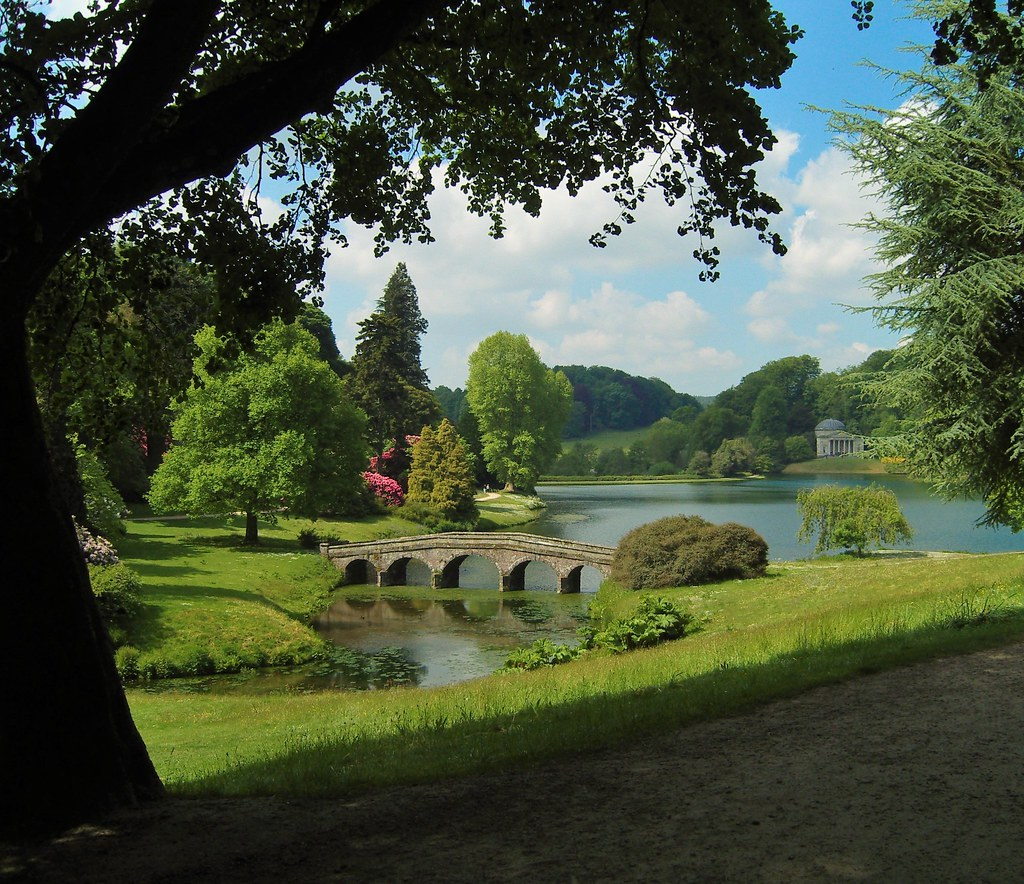 Stone arch bridge in Stourhead. Credit Hans Bernhard