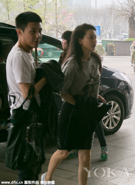 Simple grey printed tee+ bag hip dress let his round looked more like my neighbor, Queen Street can also be