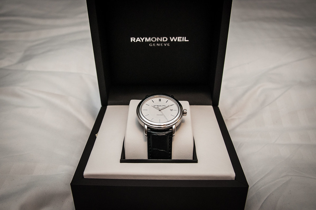 raymond weil maestro swiss automatic watch box