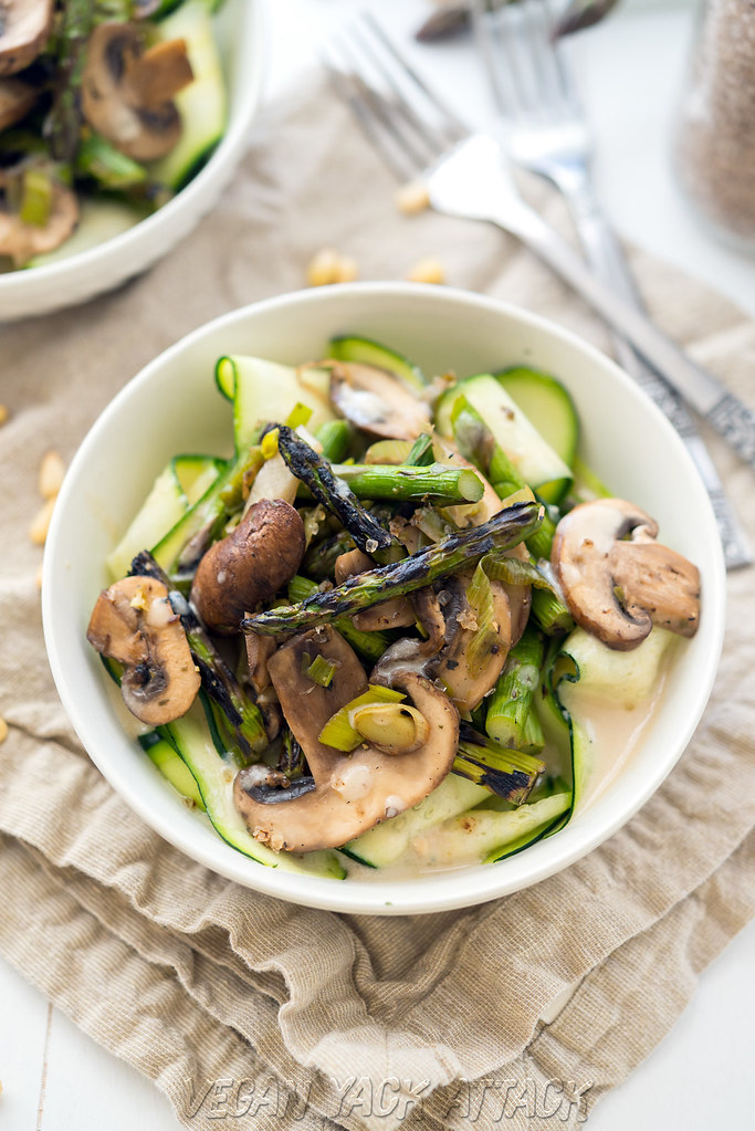 Grilled Asparagus with Cream Sauce over Zucchini Ribbons - Easy, healthy, and oh-so-delicious! #vegan #glutenfree #soyfree