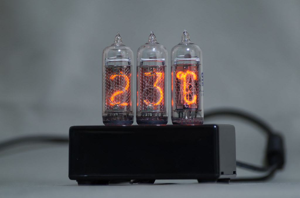 Nixie Tube (IN-14, IN-19A) Thermo-hygrometer