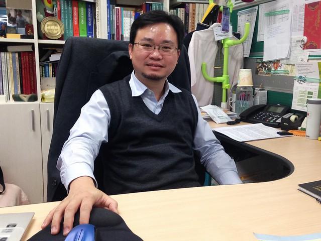 台大公共衛生學院助理教授蔡坤憲這學期開課教學生認識居家昆蟲,找出相處之道!攝影:廖靜蕙