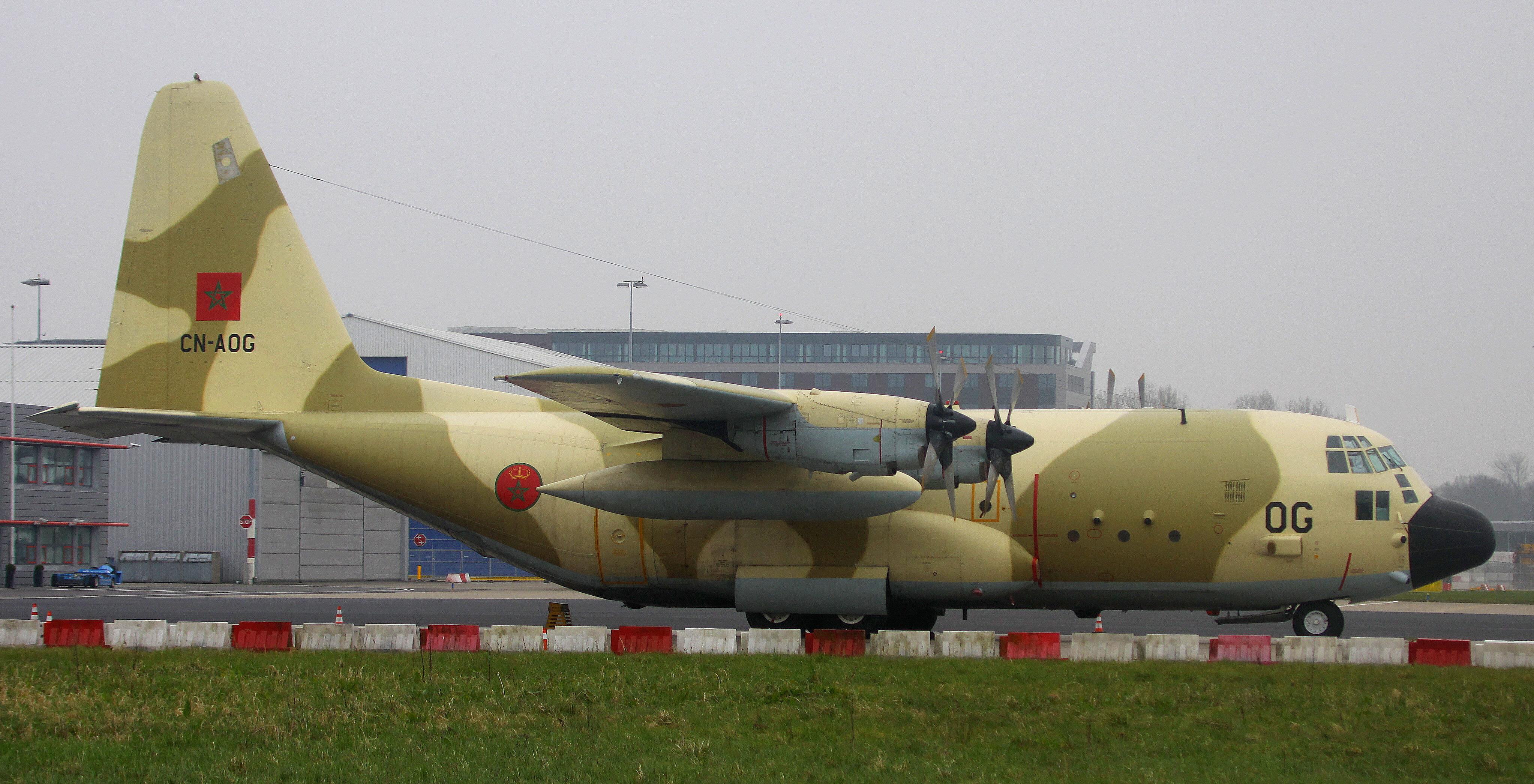 FRA: Photos d'avions de transport - Page 27 26103138085_e52d1d05bc_o