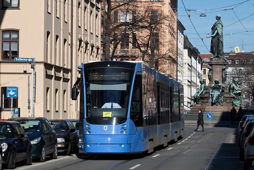 Avenio 2806 in der Thierschstraße