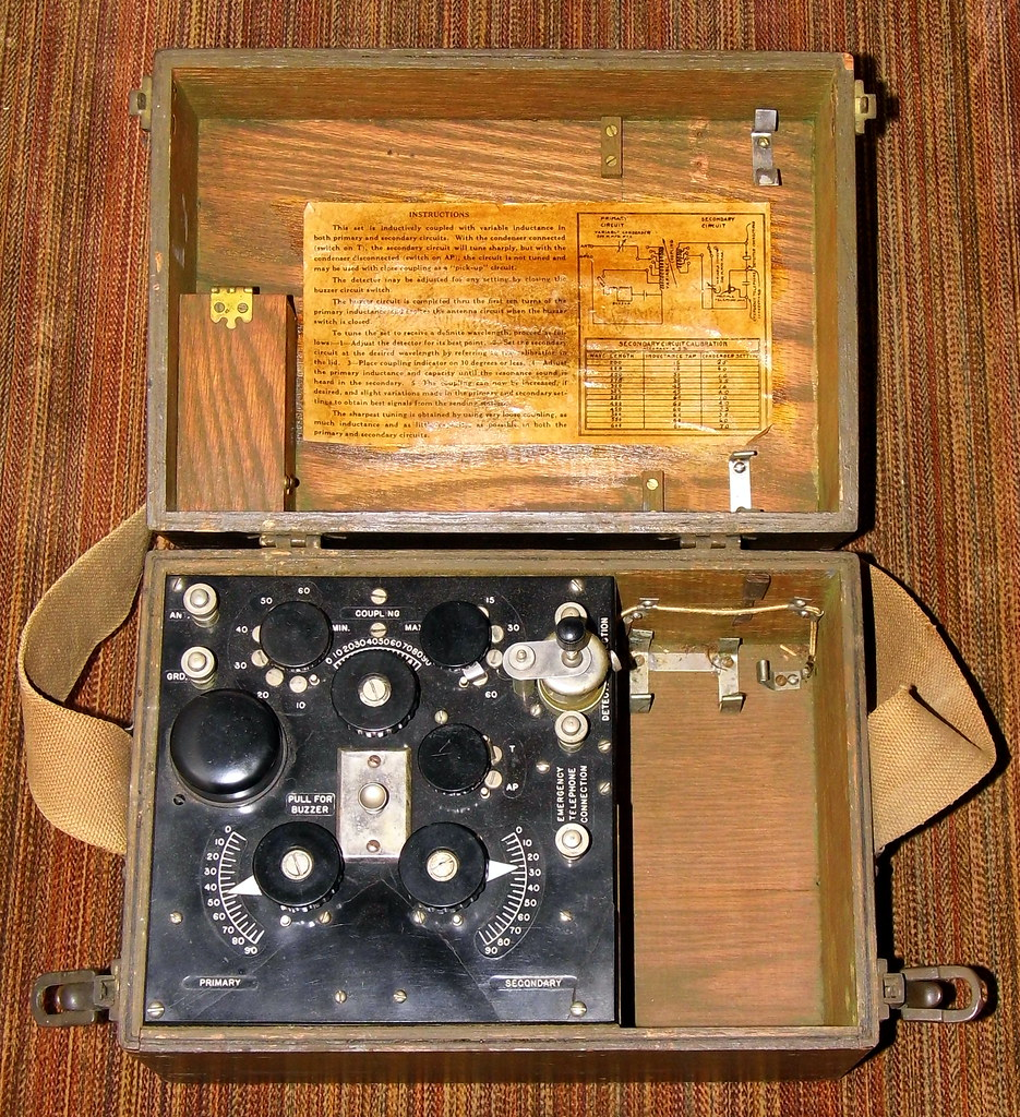 Vintage World War I Radio Receiver Set Box, BC-14A, Signal ...