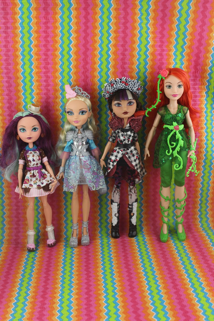 Ever After High Height Comparison | Poison Ivy is taller