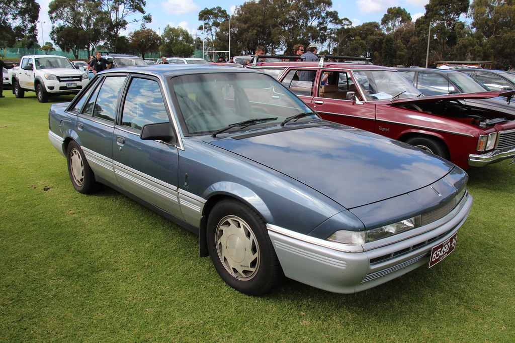 1987 Holden VL Calais Sedan | The VL Commodore was built ...