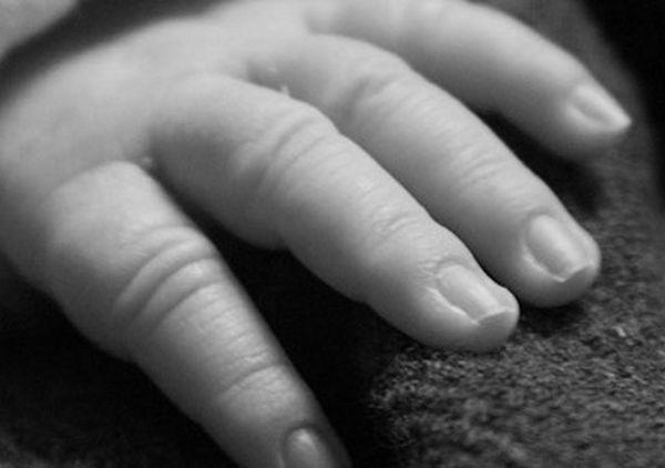 Niña de 6 meses muere electrocutada