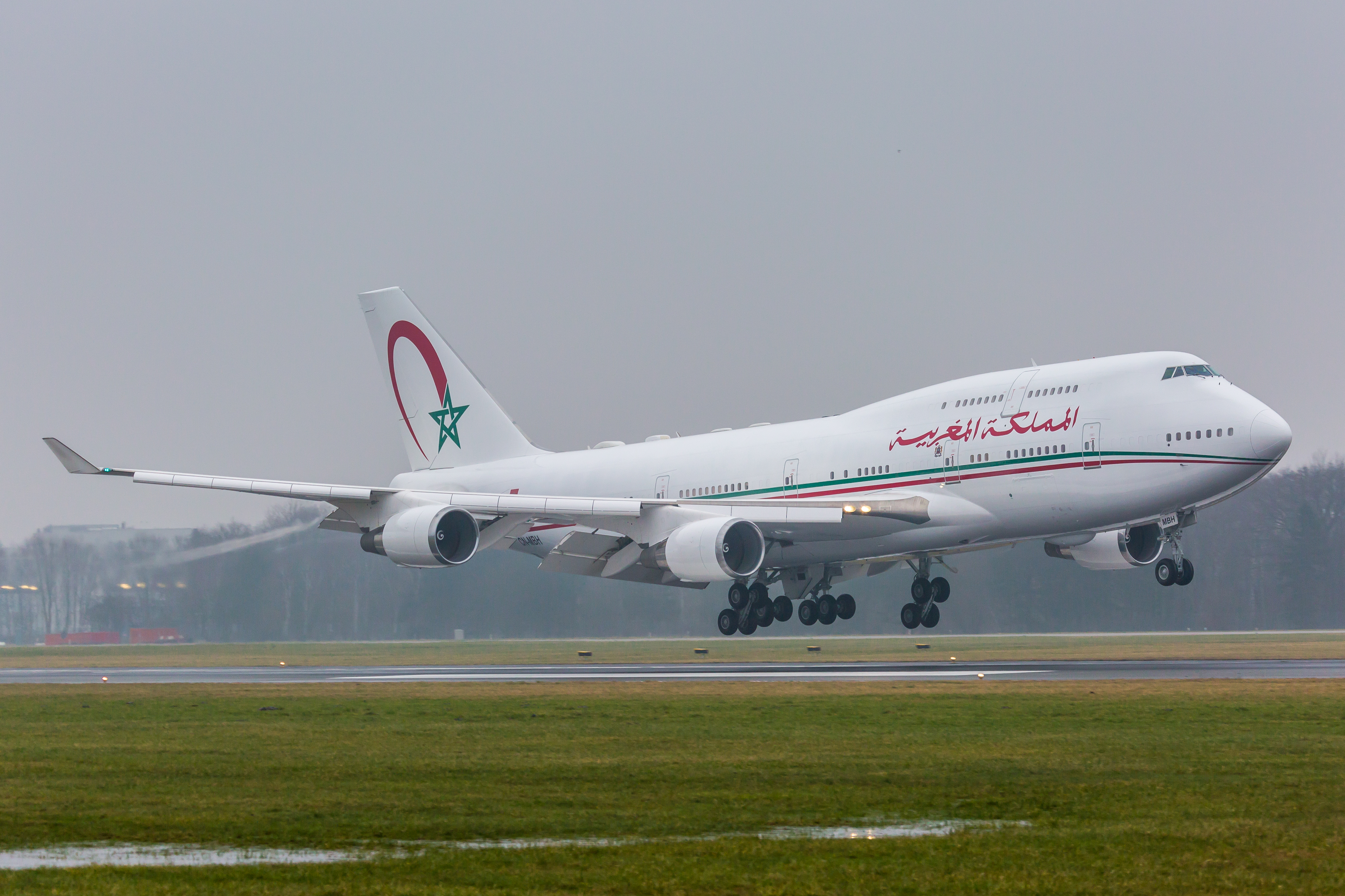 Air Force One marocain - Page 4 25040348921_d44bd09970_o