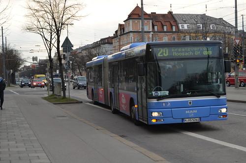 Ersatzbus am Leonrodplatz (Bild: Leo Papic)