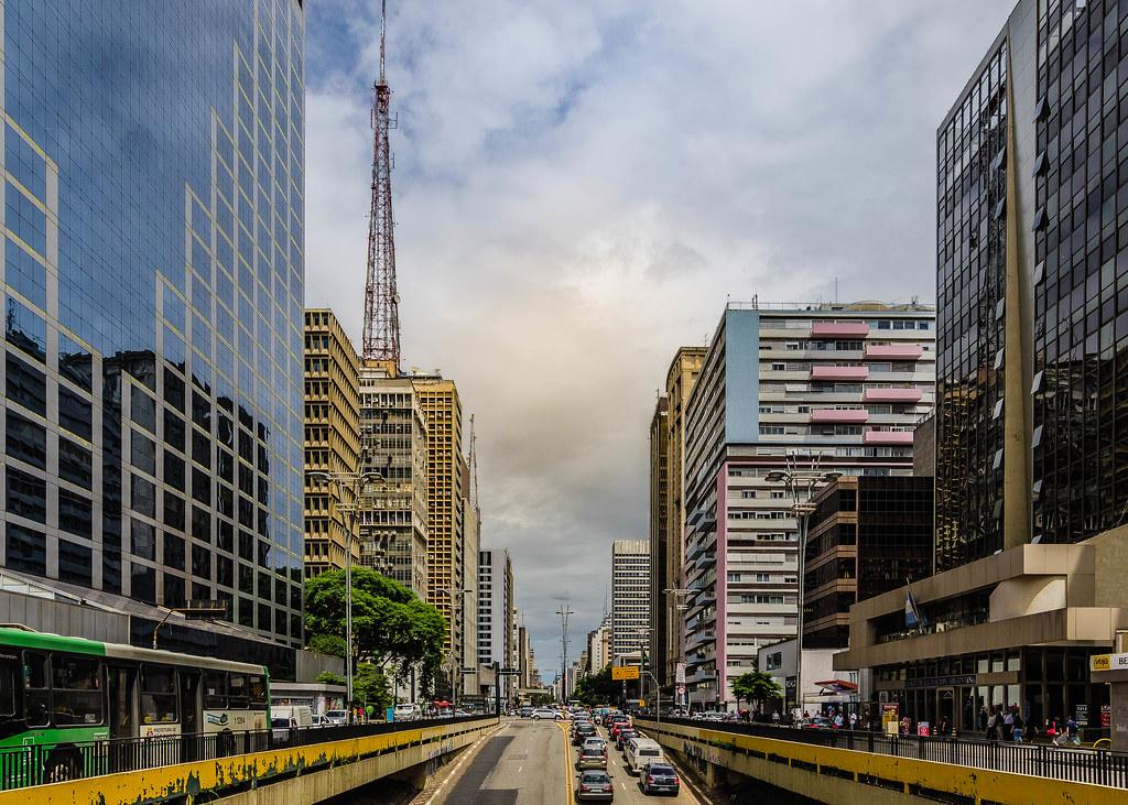 São Paulo, Brasil, Av. Paulista à noite - São Paulo City