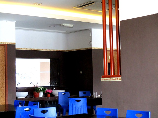 Keripan Cafe, inside
