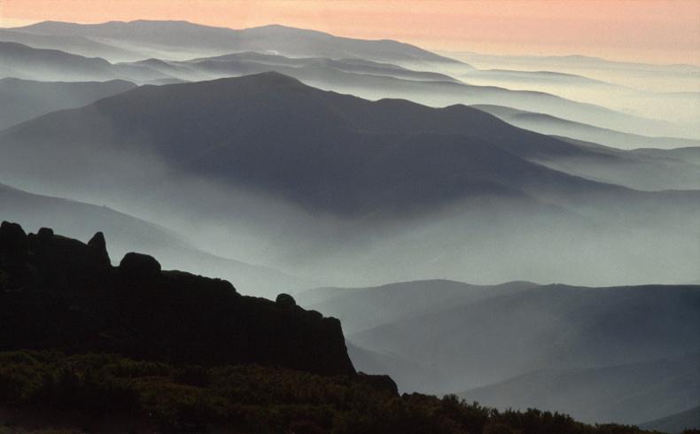 Fotografia em palavras: Paisagem com montes