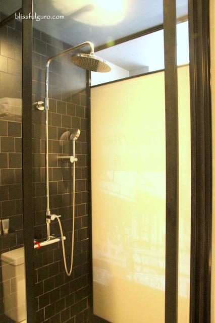 Pentahotel Kowloon Hong Kong Bathroom