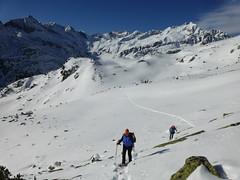 Steiler und steiler im Schnee