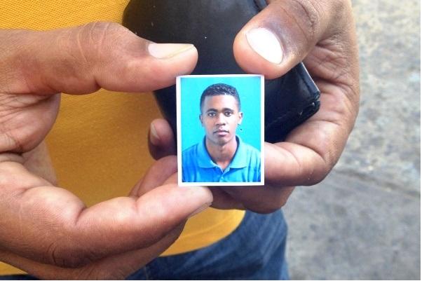 Lo asesinan de un tiro en la cabeza por bailar con muchacha que es pareja de un azote de barrio en San Félix