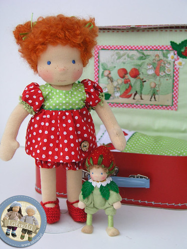 Suitcase set with two dolls