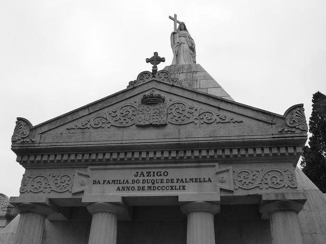 Jazigo de los Duques de Palmela (Cementerio de los Placeres, Lisboa)