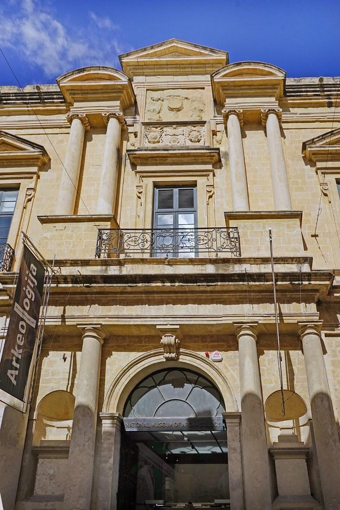 L 39 auberge de provence la valette malte fa ade de l 39 aube flickr - Auberge de beaute salon de provence ...