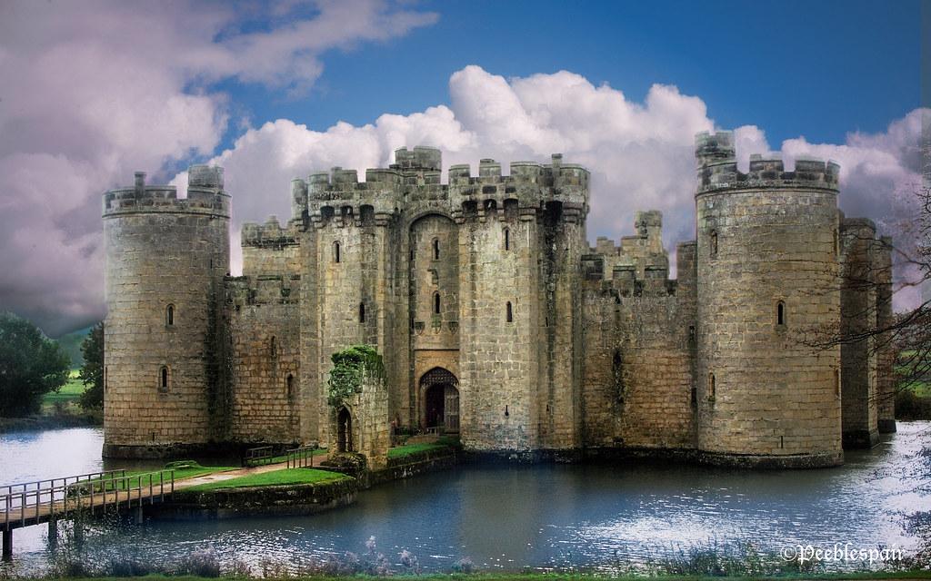 Medieval Moat Bodiam Castle Moat Peeblespair Flickr
